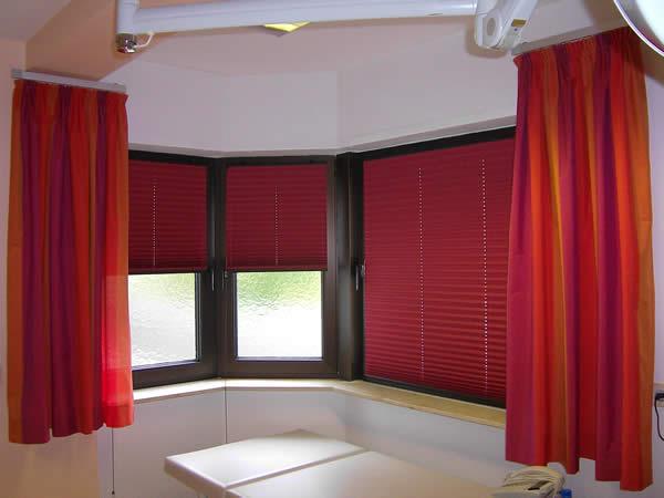 plissee faltrollo jalousien faltstore sichtschutz und sonnenschutz von jab teba und erfal. Black Bedroom Furniture Sets. Home Design Ideas